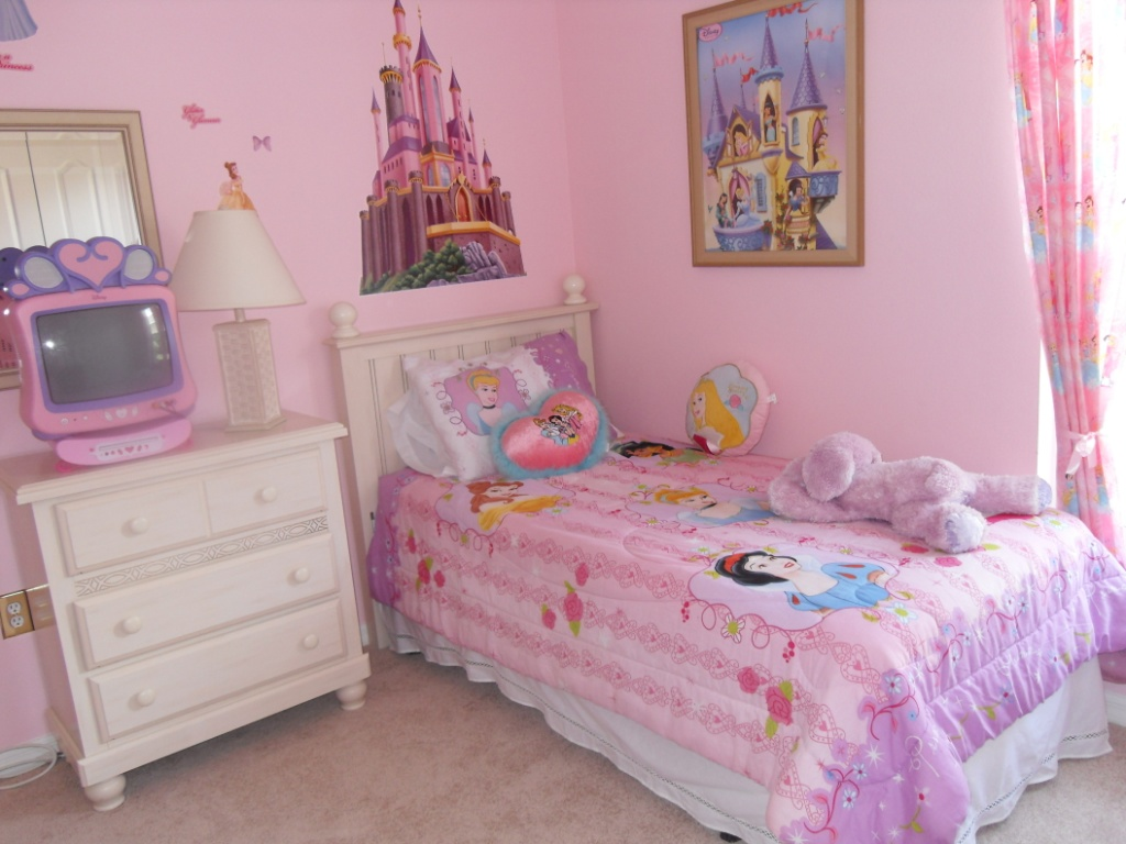 ideas for a little girl room photo - 2