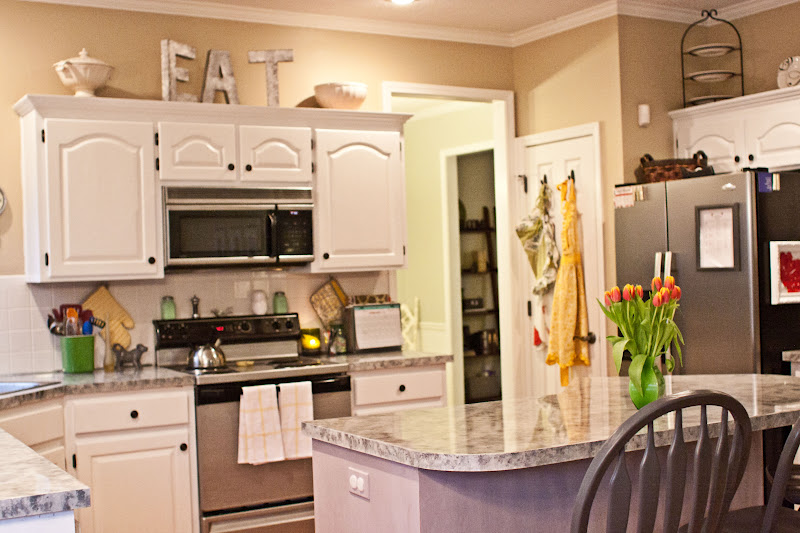 kitchen cabinet decorating ideas above photo - 1