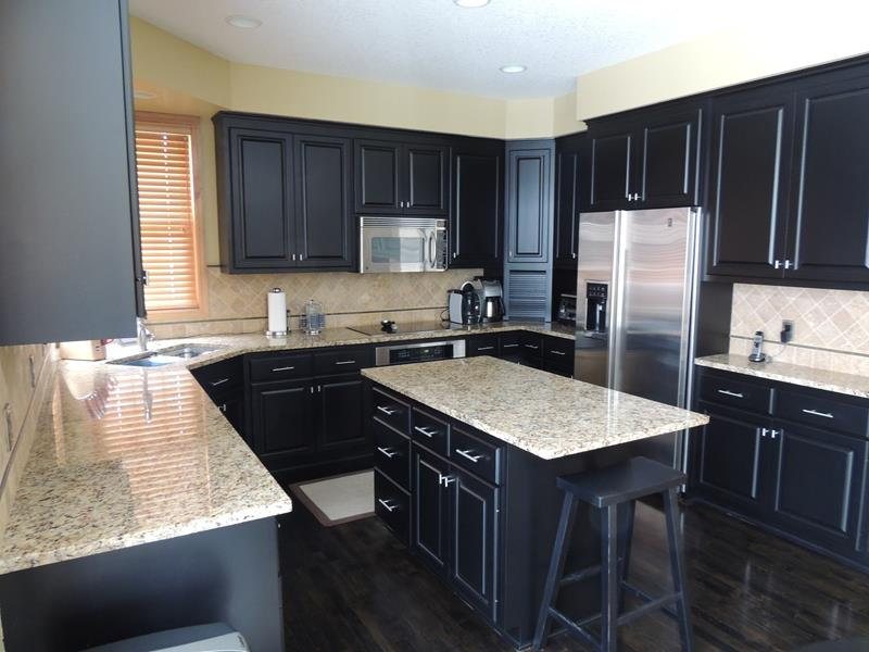 kitchen design ideas black cabinets photo - 10