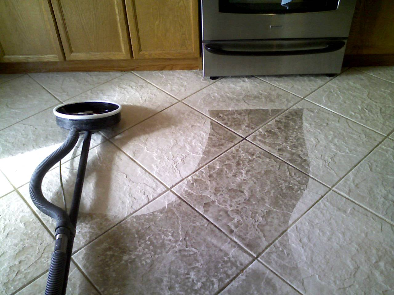 kitchen floor tile and grout cleaner photo - 2