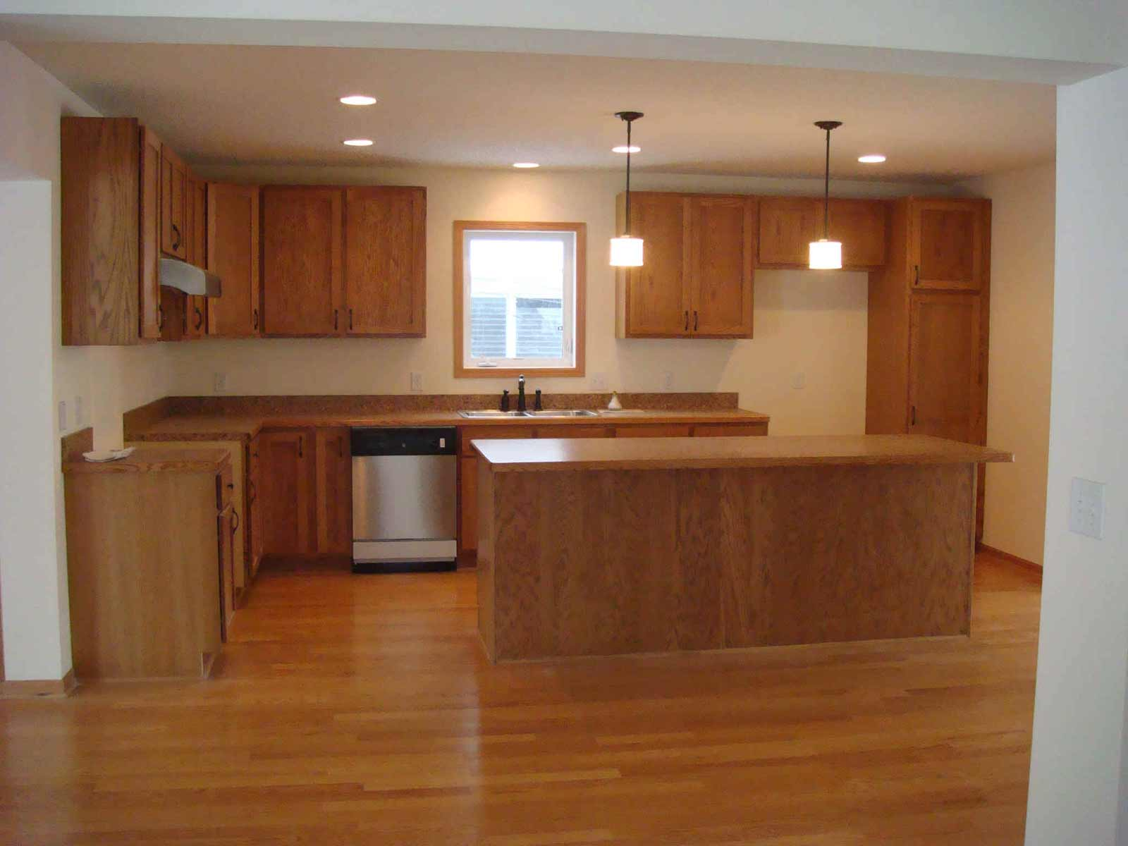laminate wood flooring for kitchen photo - 10