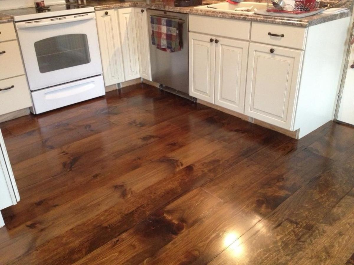 laminate wood flooring for kitchen photo - 4