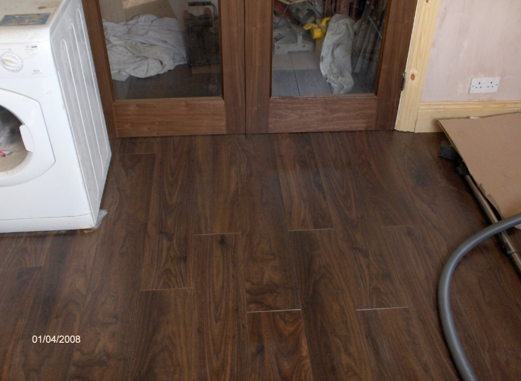 laminate wood flooring for kitchen photo - 9