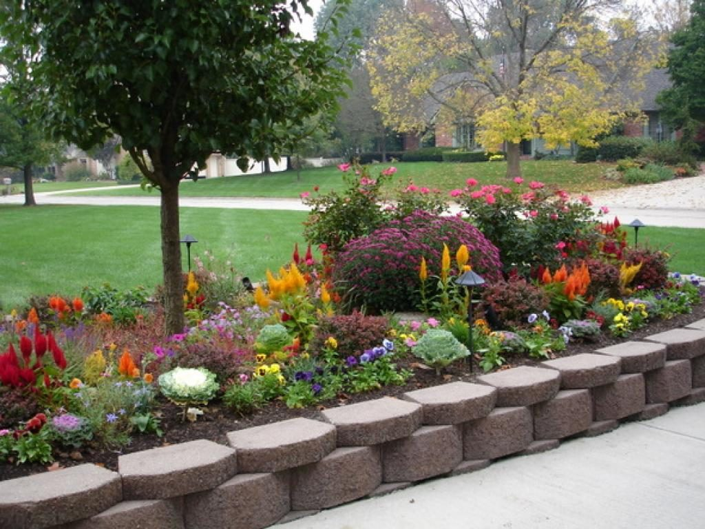 large flower garden design photo - 1