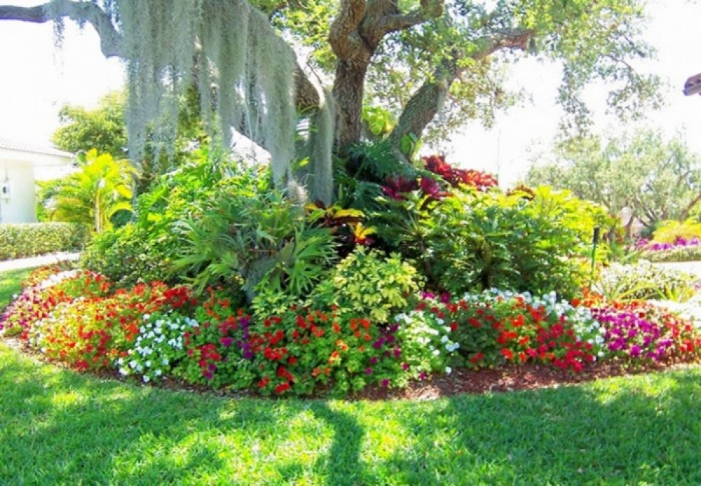 large flower garden design photo - 6
