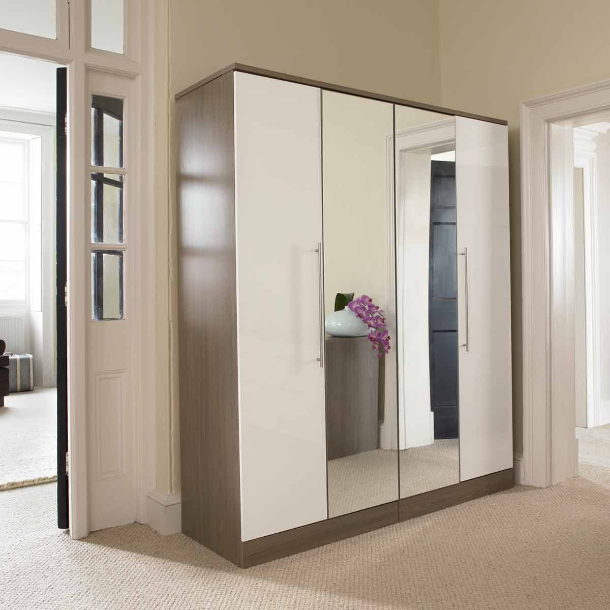 mirrored closet doors modern photo - 5