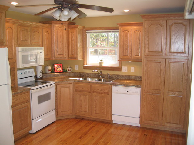 oak country kitchen designs photo - 5