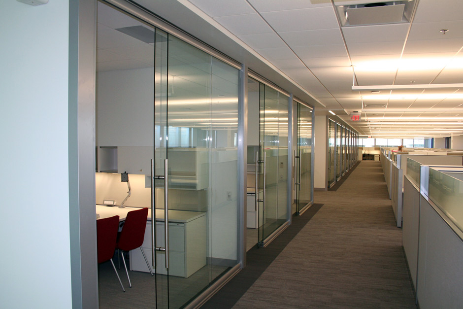 office interior glass walls photo - 8