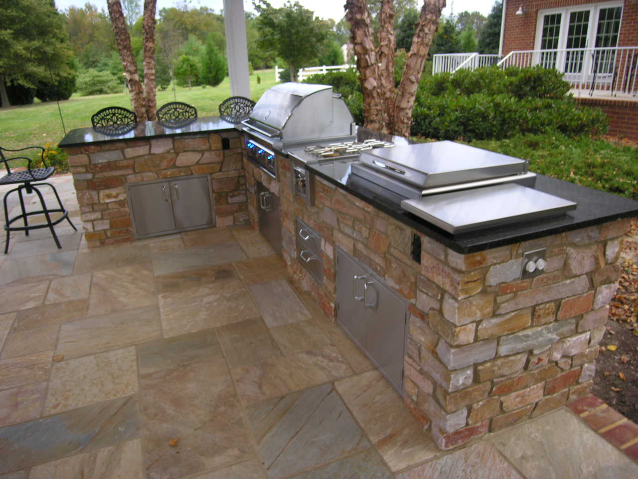 outdoor kitchen and bar photo - 1