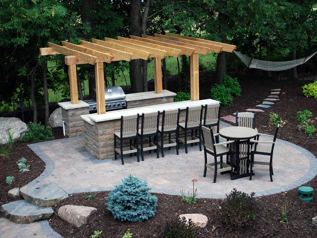 outdoor kitchen and bar photo - 3