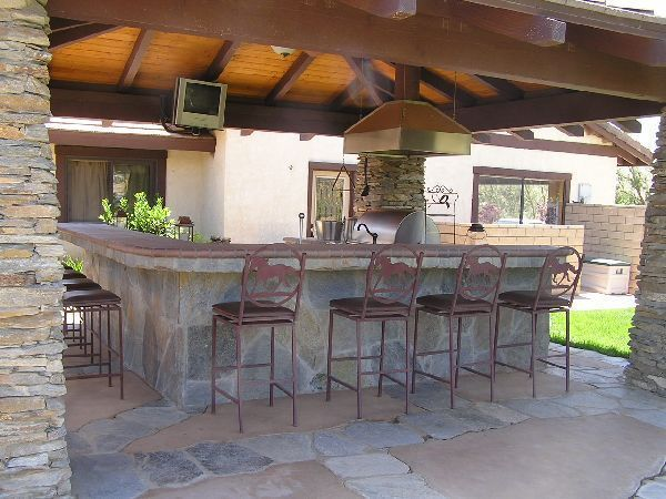 outdoor kitchen and bar photo - 4