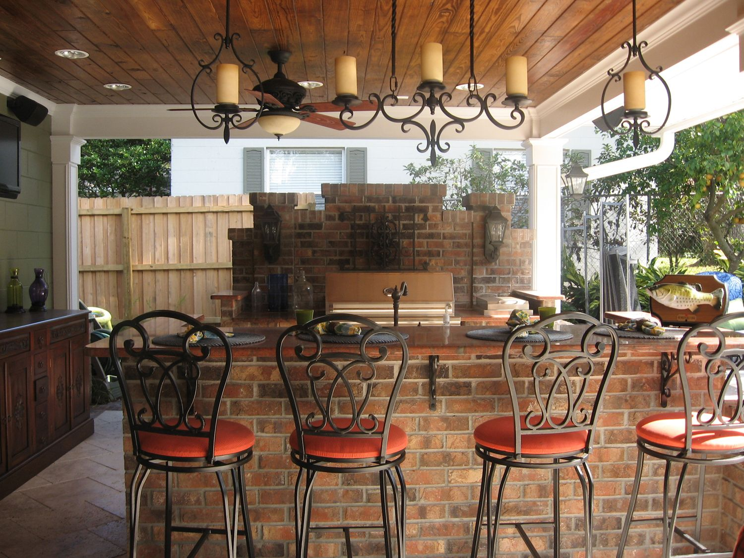 outdoor kitchen and bar photo - 6