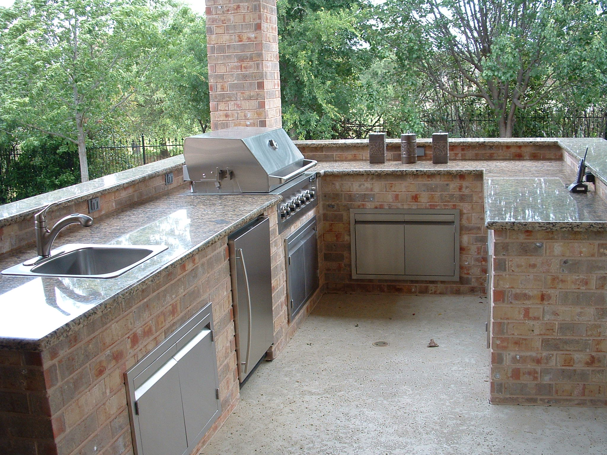 outdoor kitchen granite countertops photo - 8