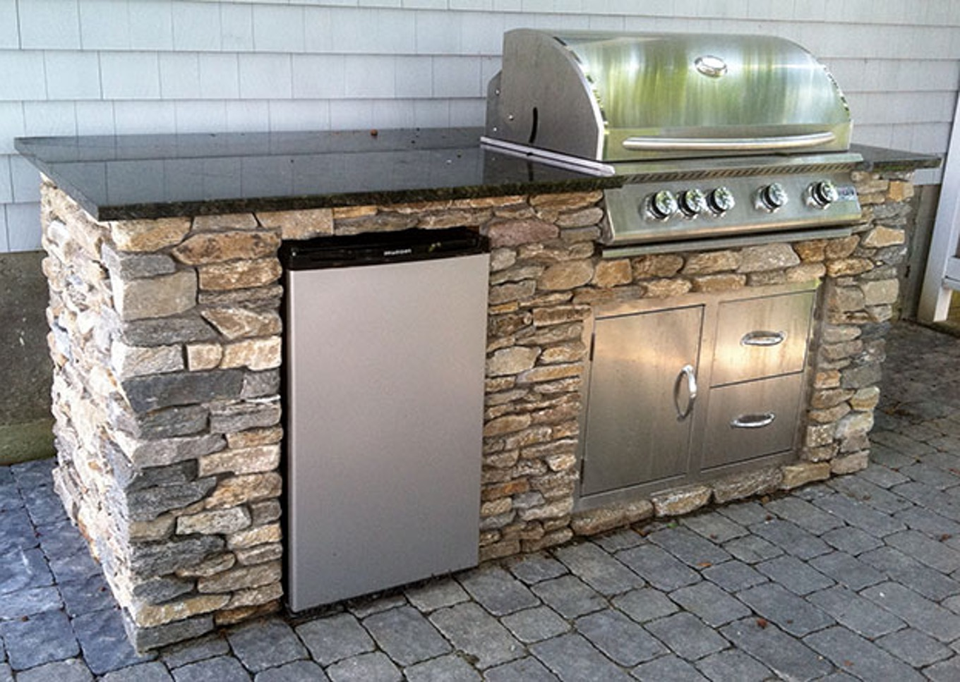 Image of: Outdoor Kitchen Islands Kits Brooklyn Apartment