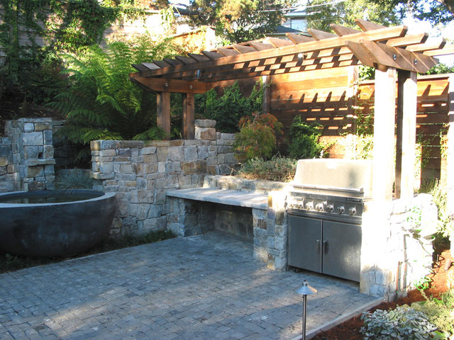 outdoor kitchen landscaping photo - 10