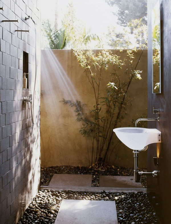 outdoor shower bathroom photo - 6