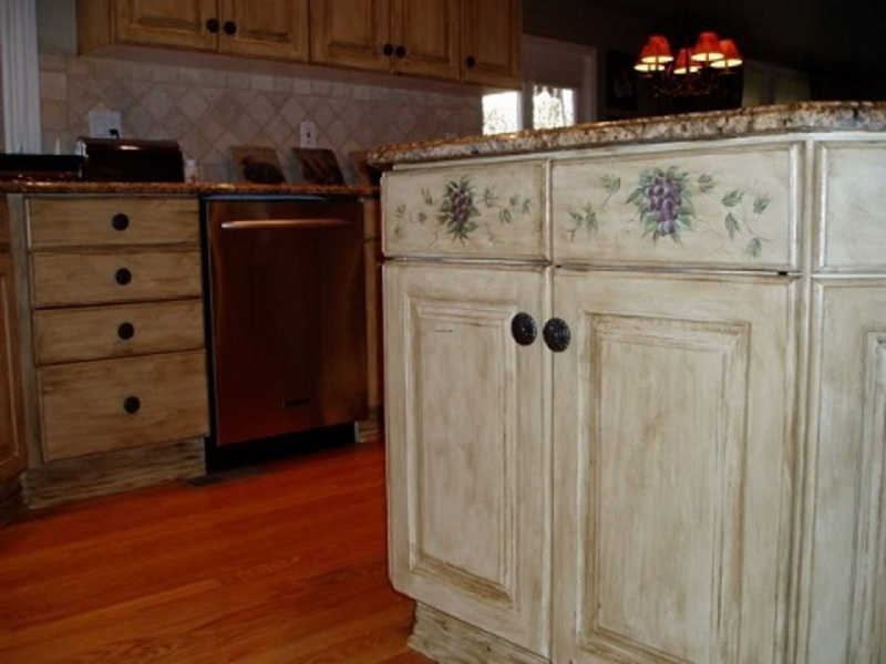 painting old kitchen cabinets ideas photo - 1