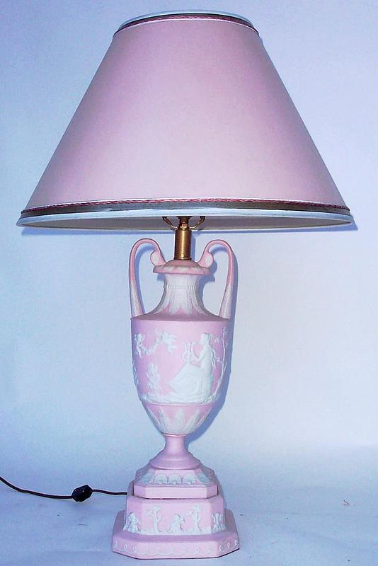 pink bedroom lamp photo - 5
