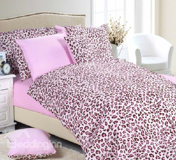pink cheetah print bedroom photo - 10
