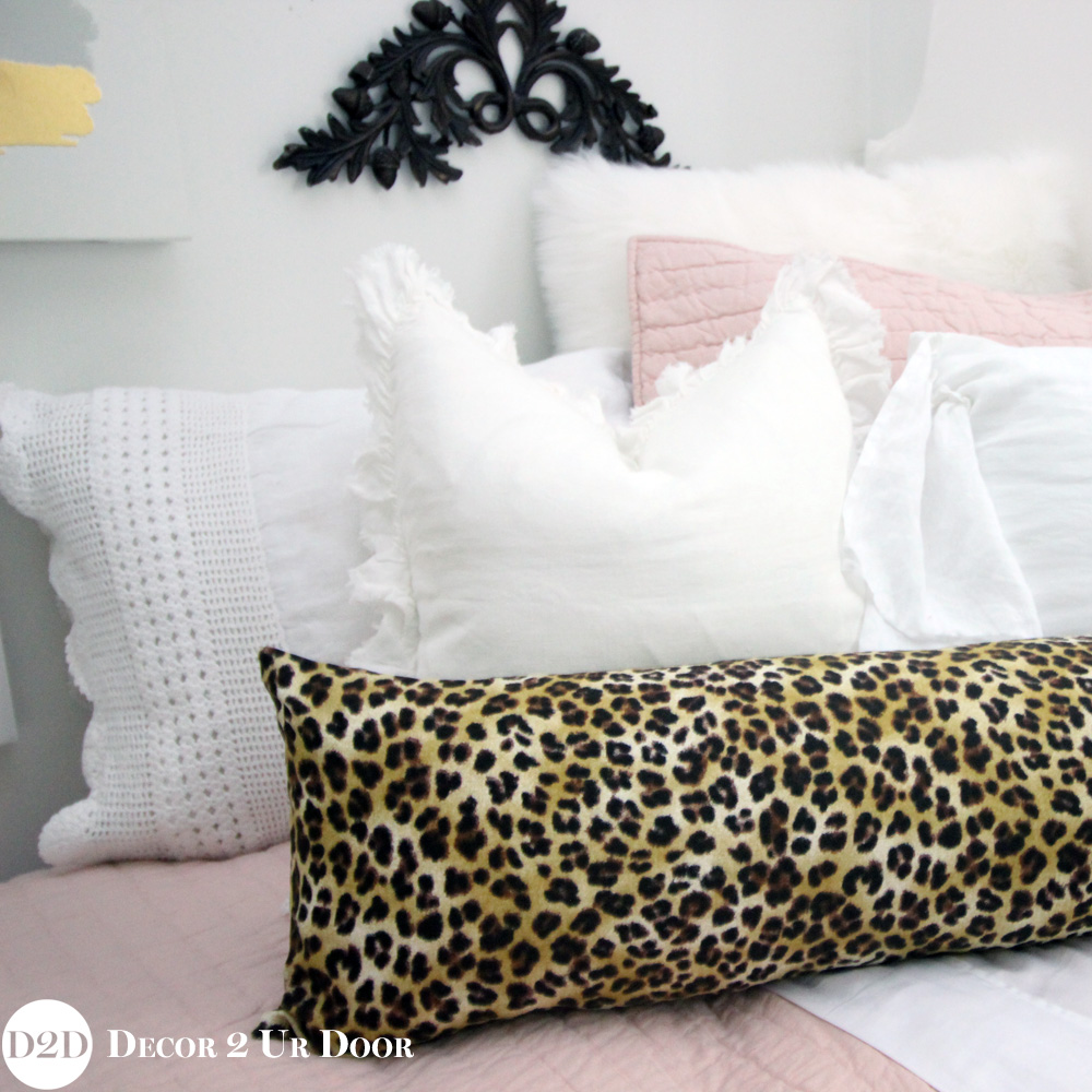 pink cheetah print bedroom photo - 8