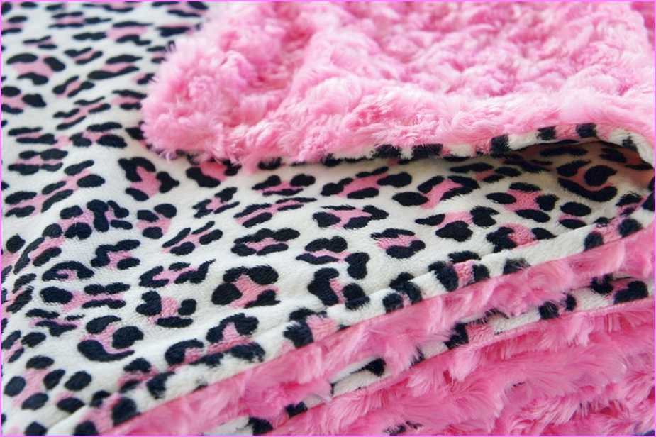 pink cheetah print bedroom photo - 9
