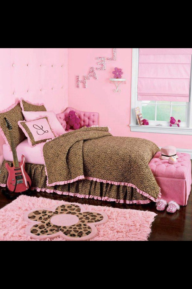 pink leopard print bedroom accessories photo - 2