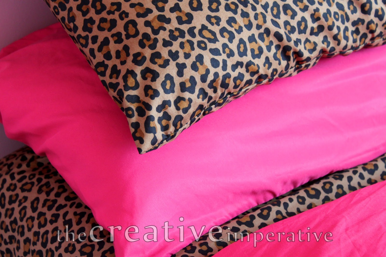 pink leopard print bedroom accessories photo - 7