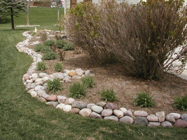 river rock garden edging photo - 3