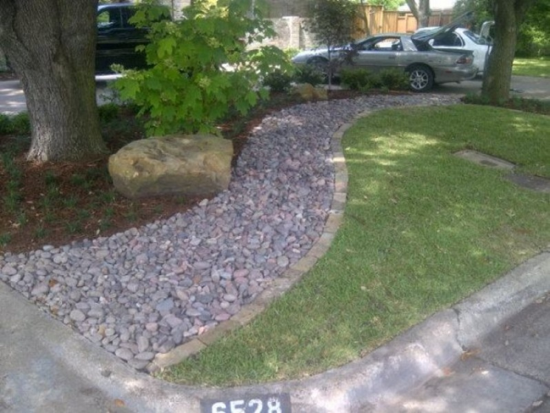 river rock garden edging photo - 7