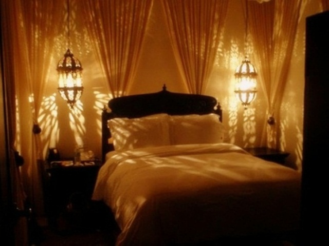 romantic bedroom lamp photo - 3