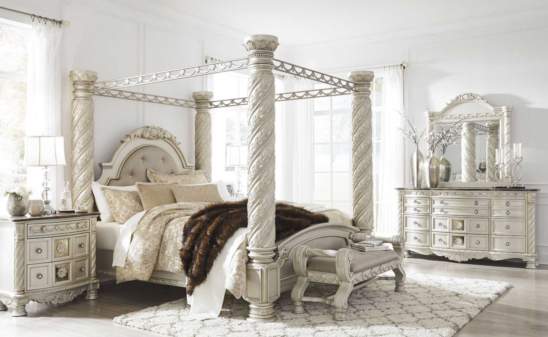 silver pearl bedroom set photo - 9