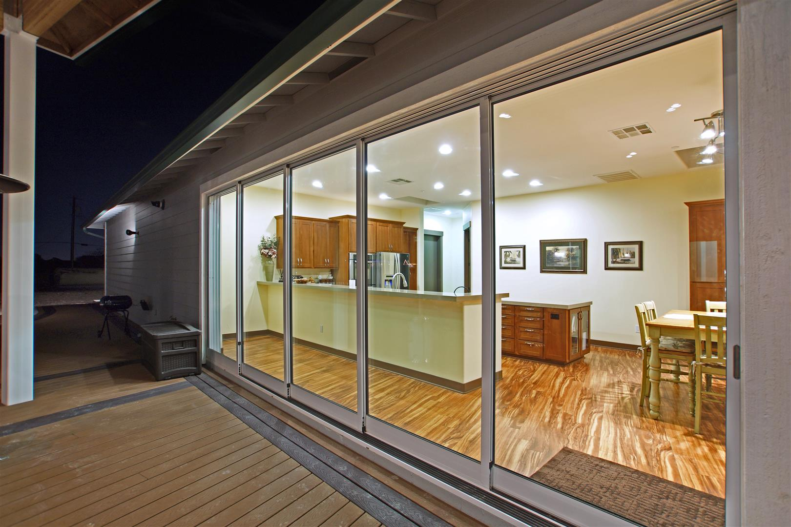 sliding pocket doors exterior photo - 4