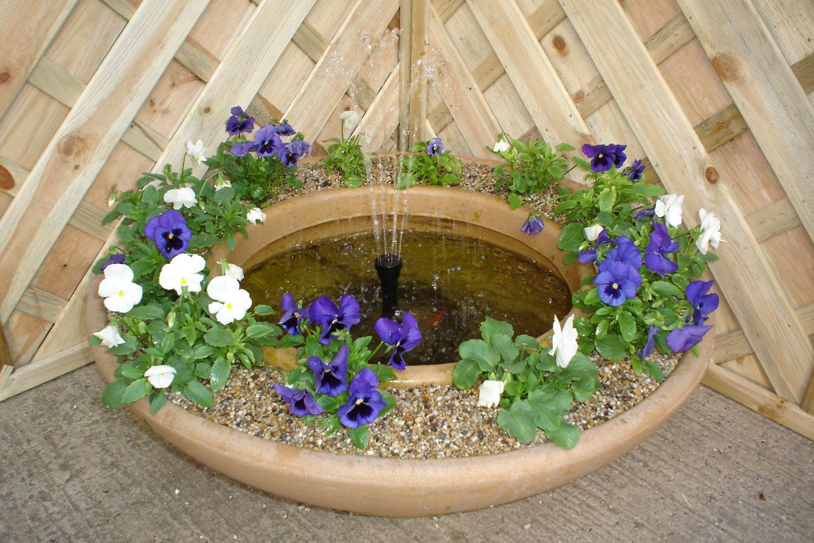small garden fountains ideas photo - 9