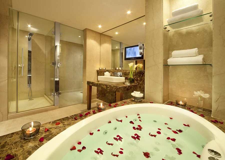 spa bathroom suites photo - 7