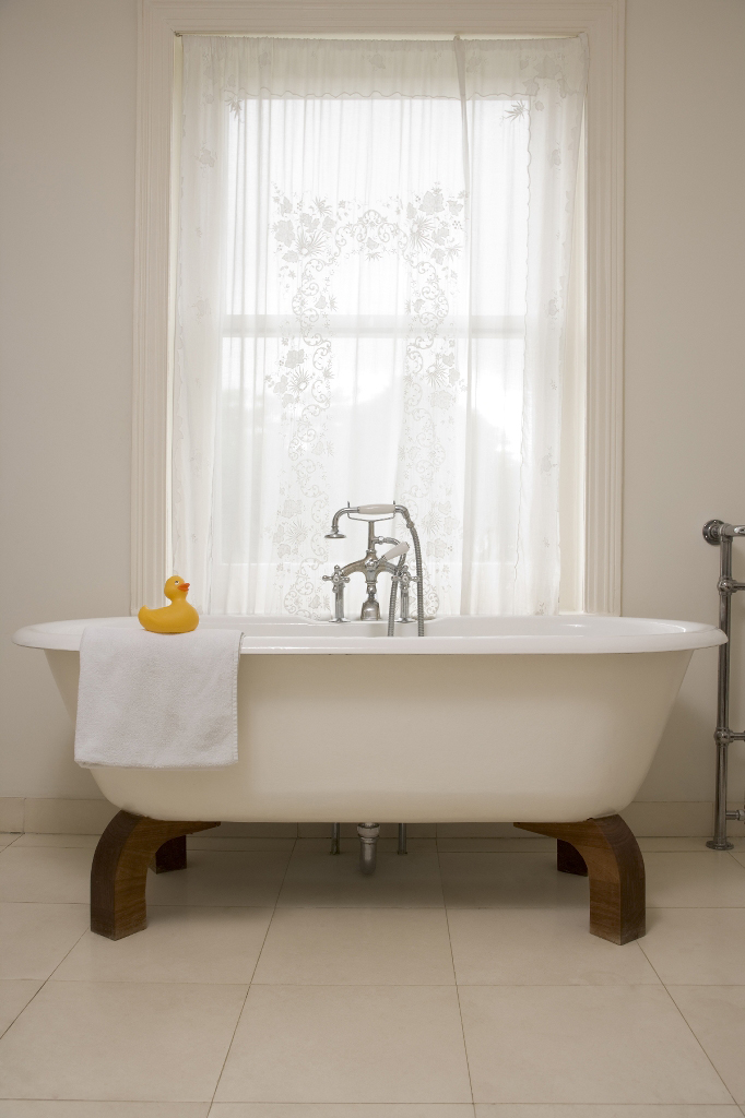 spa bathroom window treatments photo - 5
