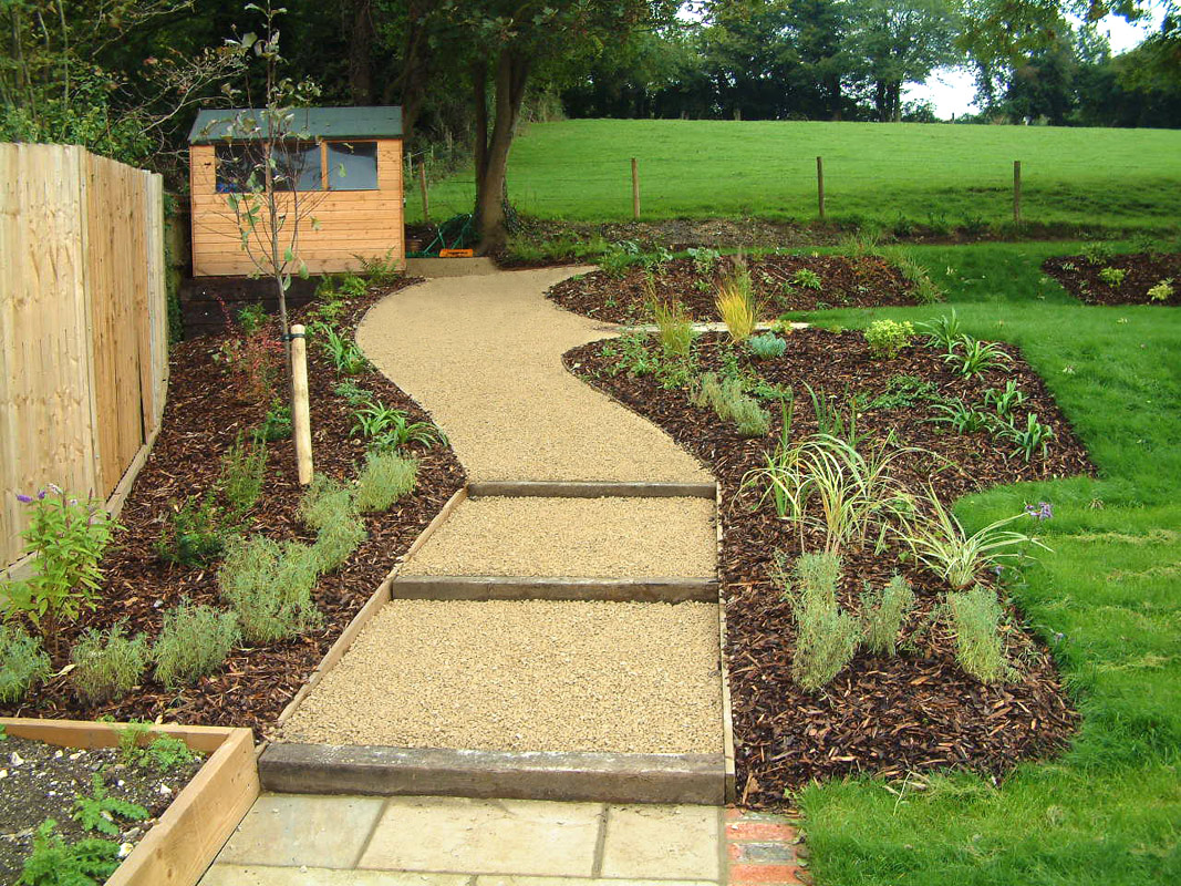 steeply sloping garden design ideas photo - 5