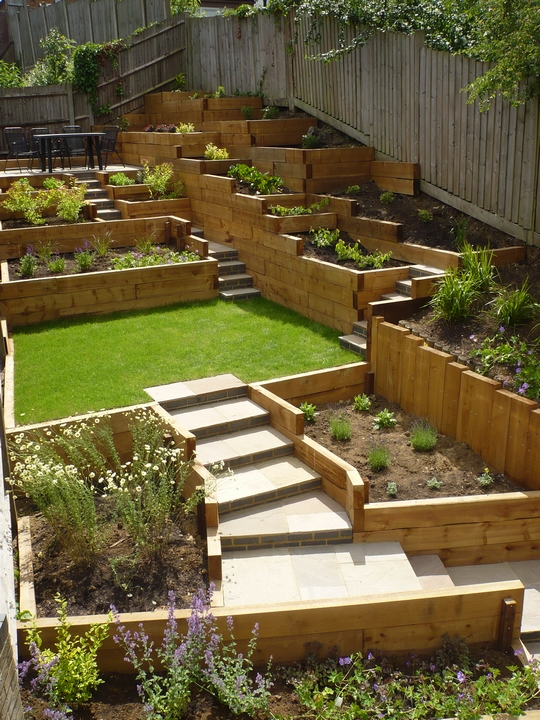 steeply sloping garden design ideas photo - 7