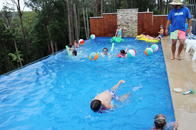 swimming pool birthday ideas photo - 1