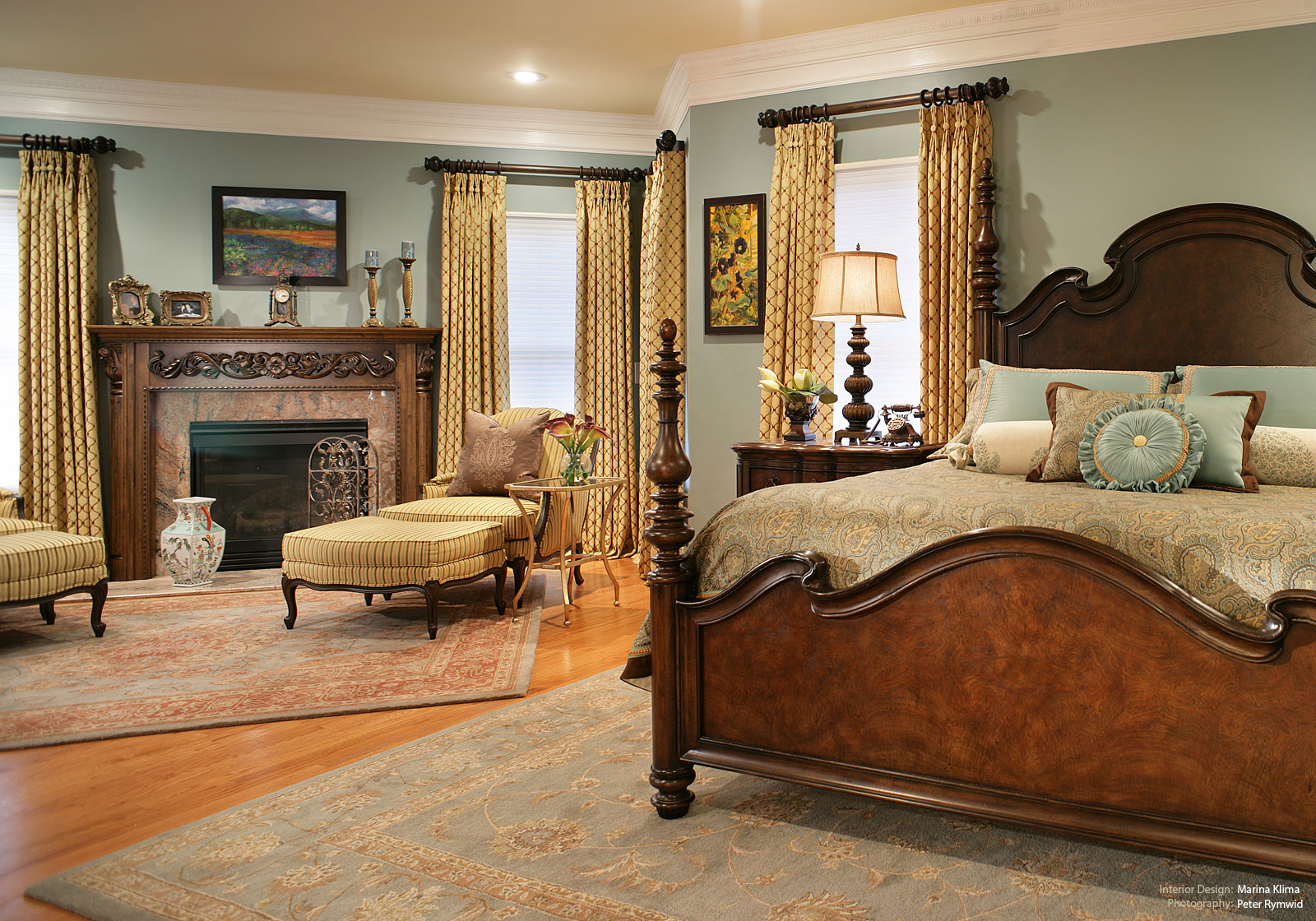 traditional bedroom decorating photo - 4
