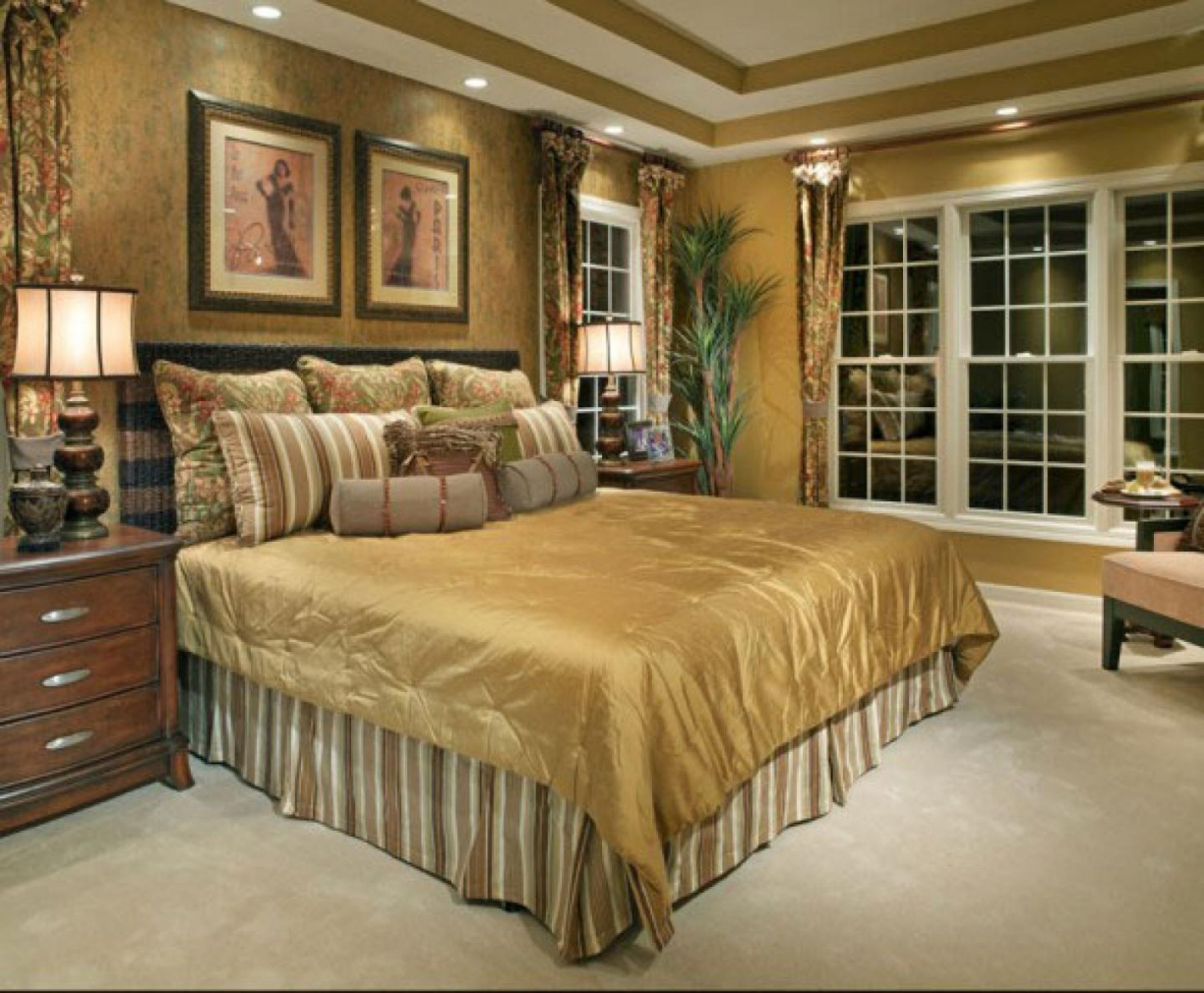 traditional bedroom decorating photo - 5