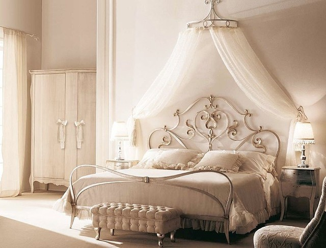 traditional romantic bedroom photo - 10