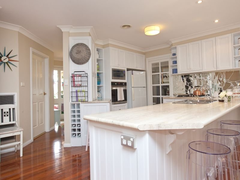 u shaped country kitchen designs photo - 10