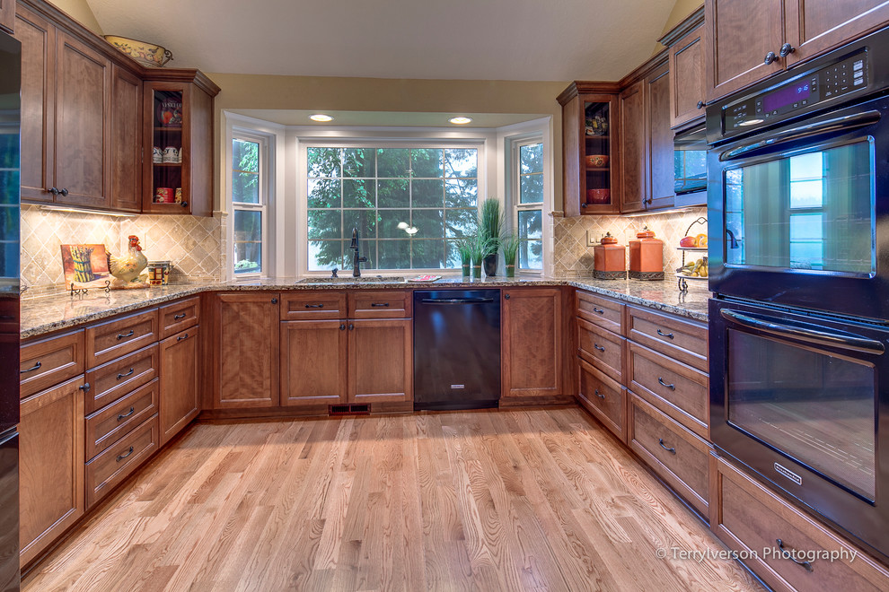 u shaped country kitchen designs photo - 3