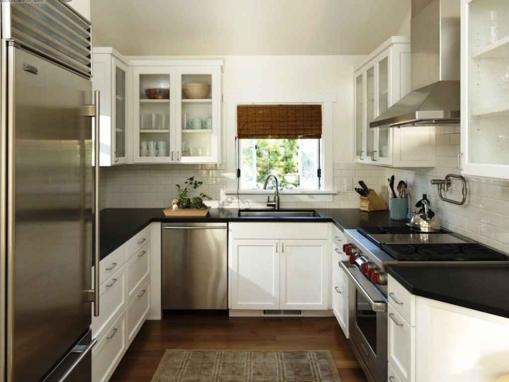 u shaped kitchen style photo - 3