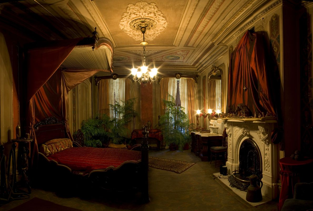 victorian gothic bedroom photo - 10