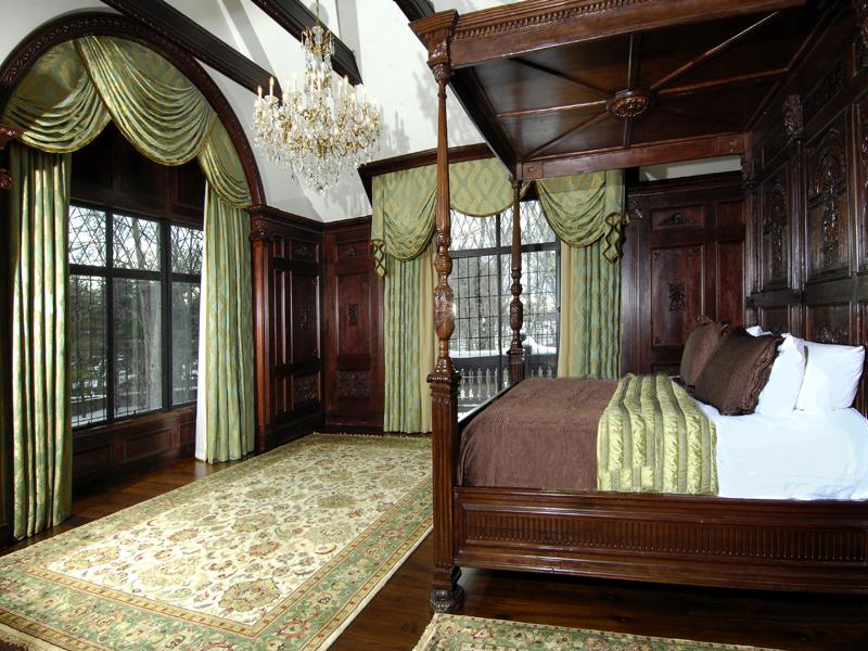 victorian gothic bedroom photo - 5