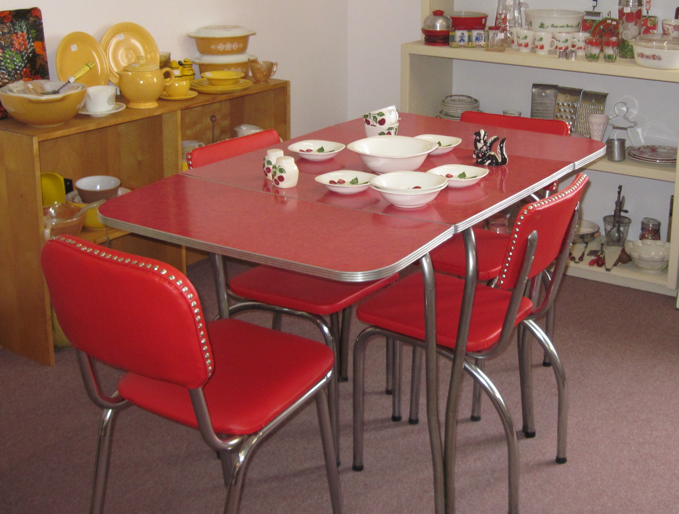 vintage kitchen table and chairs set photo - 2