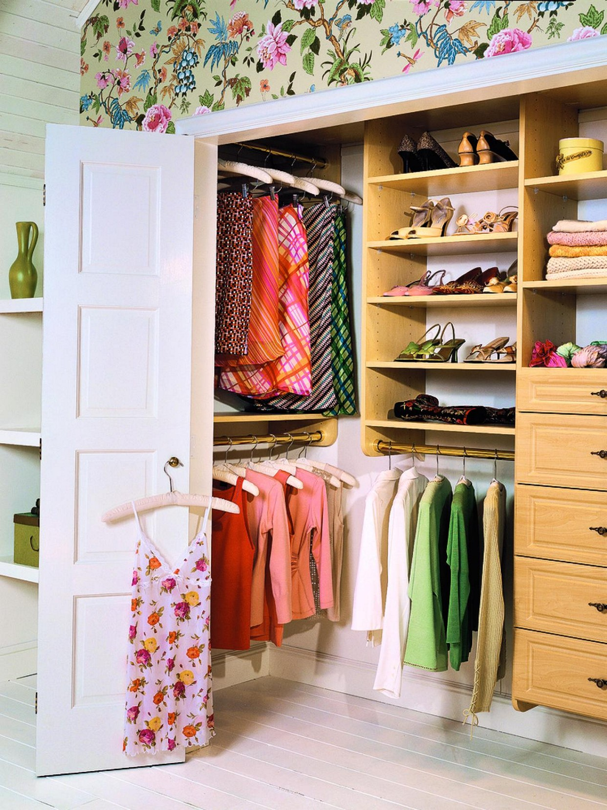 walk in closet design for women photo - 7