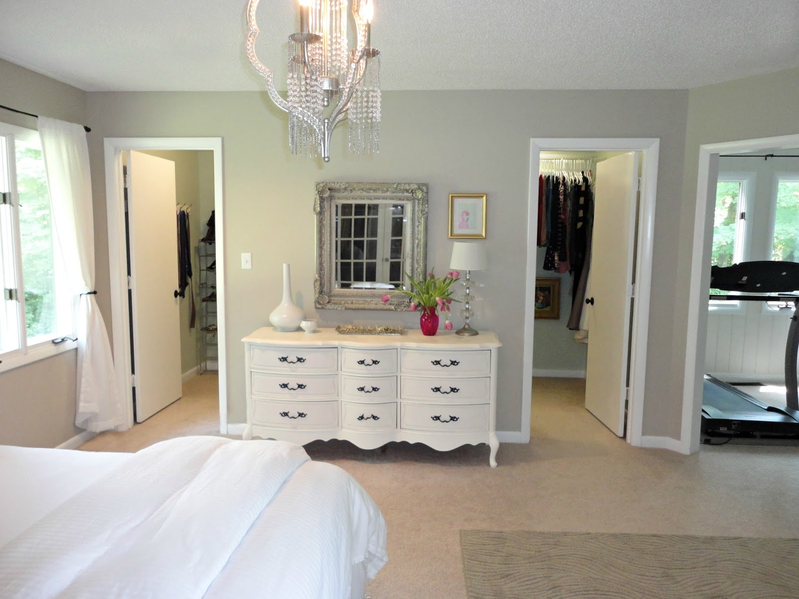 walk in closet designs for a master bedroom photo - 1