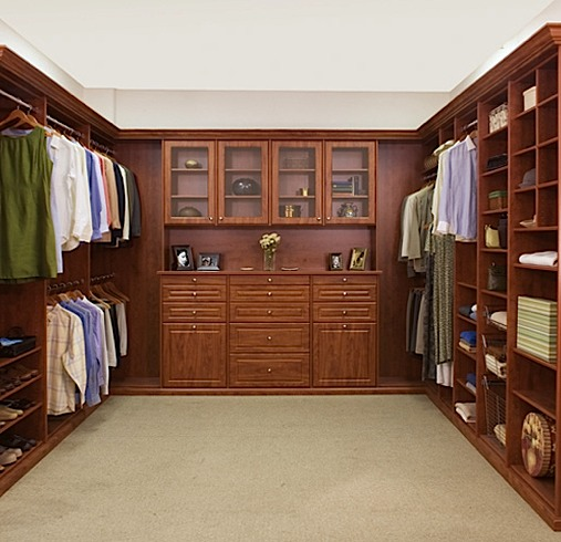 walk in closets by design photo - 3